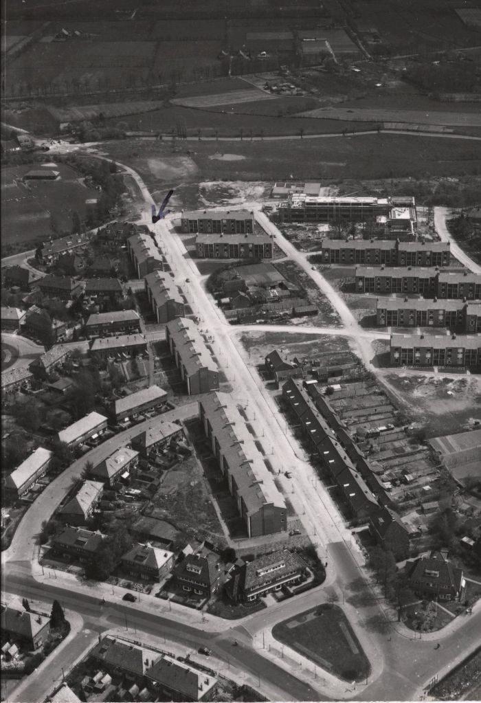 luchtfoto van de gasthuislaan in amersfoort in 1956