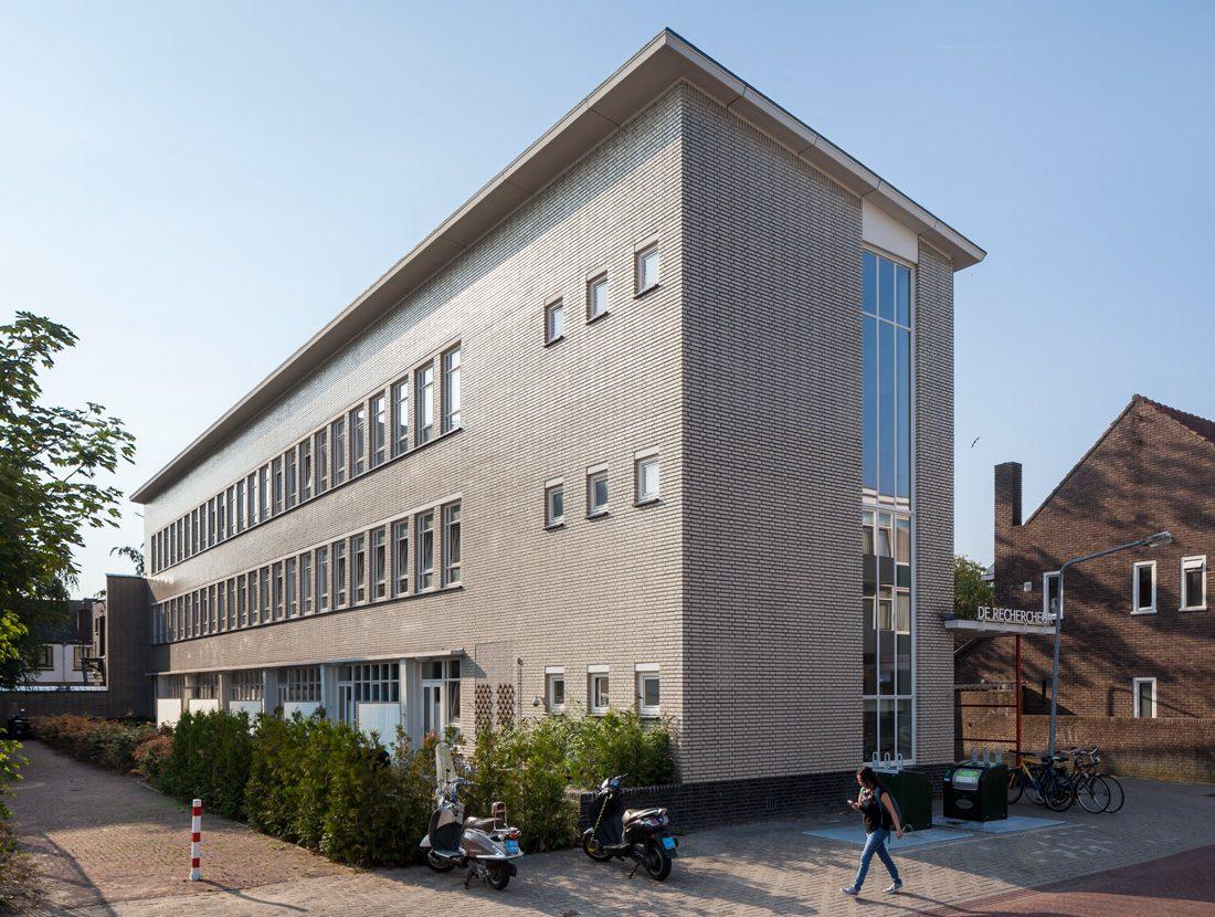 foto van de gerenoveerde rechercheur een gebouw in Hilversum
