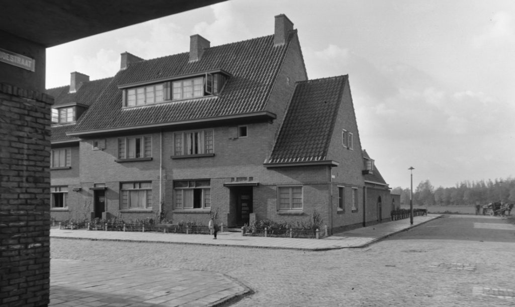 Betondorp, Zaaiersweg hoek Landbouwstraat